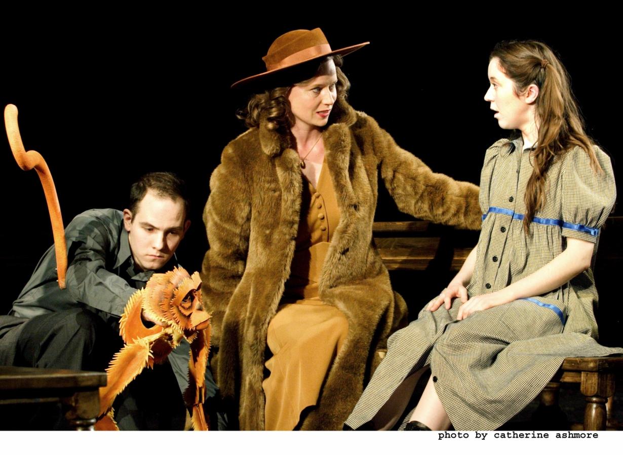 Lyra, Miss Coulter et le Singe (HD)