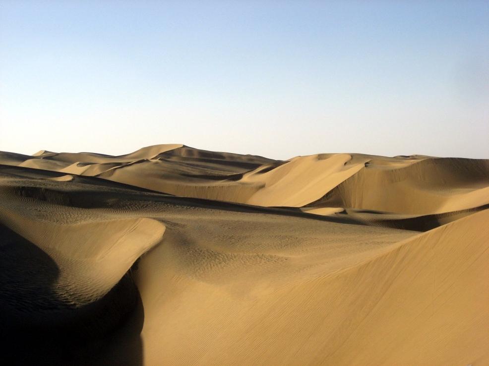 Taklamakan desert in Xinjiang Uyghur Autonomous Region. Pic by Pravit / CC BY-SA 4.0